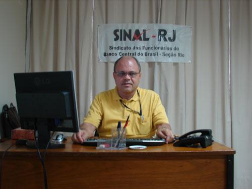 Dr. Julio Caldas atende todas às 2as f. no SINAL-RJ