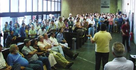 Grande Assembléia, no RJ, em 31.03, aprovou a greve a partir de 15.04